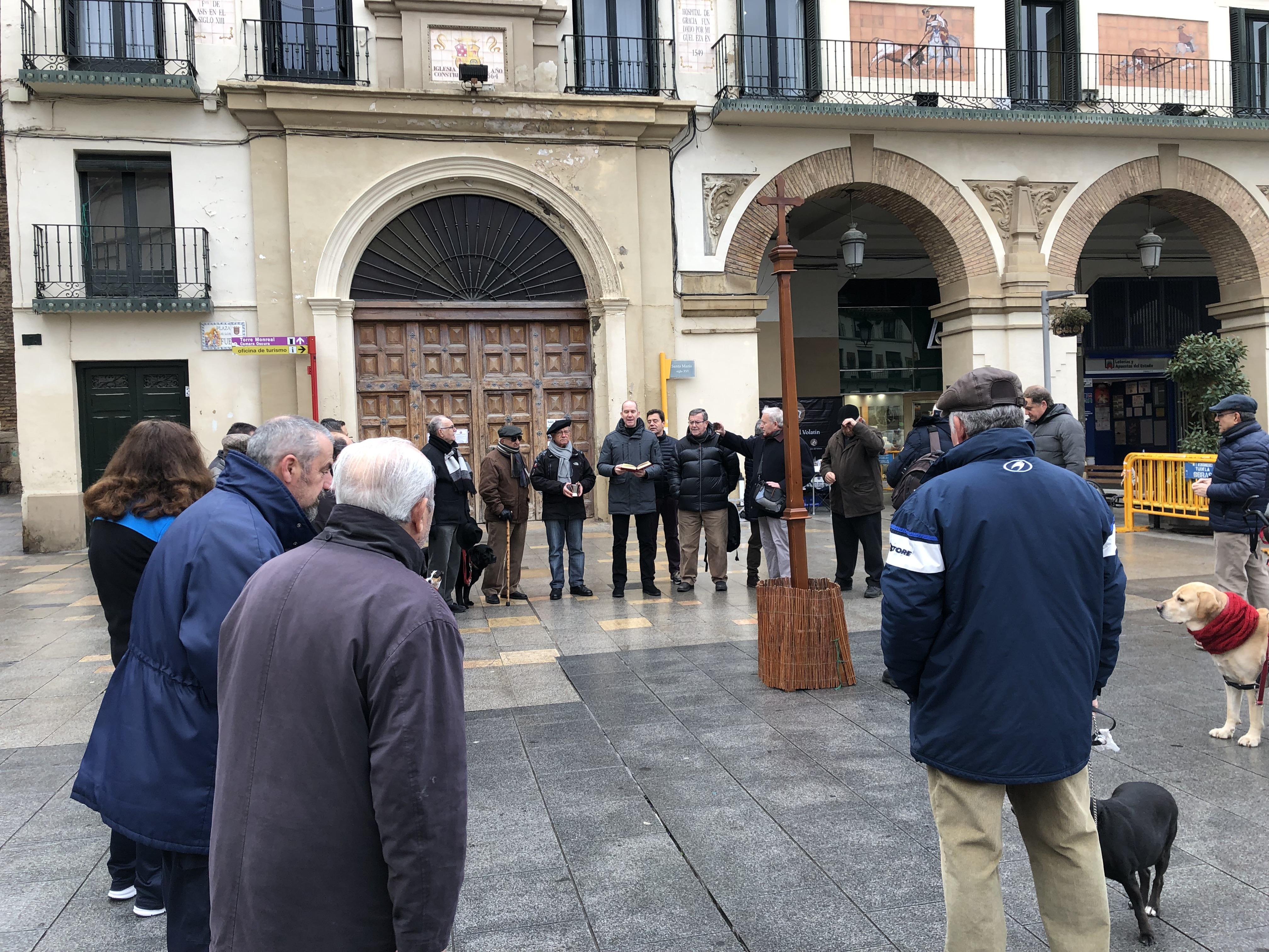 Animales y mascotas vuelven a dar las tres «vuelticas» a la cruz de San Antón