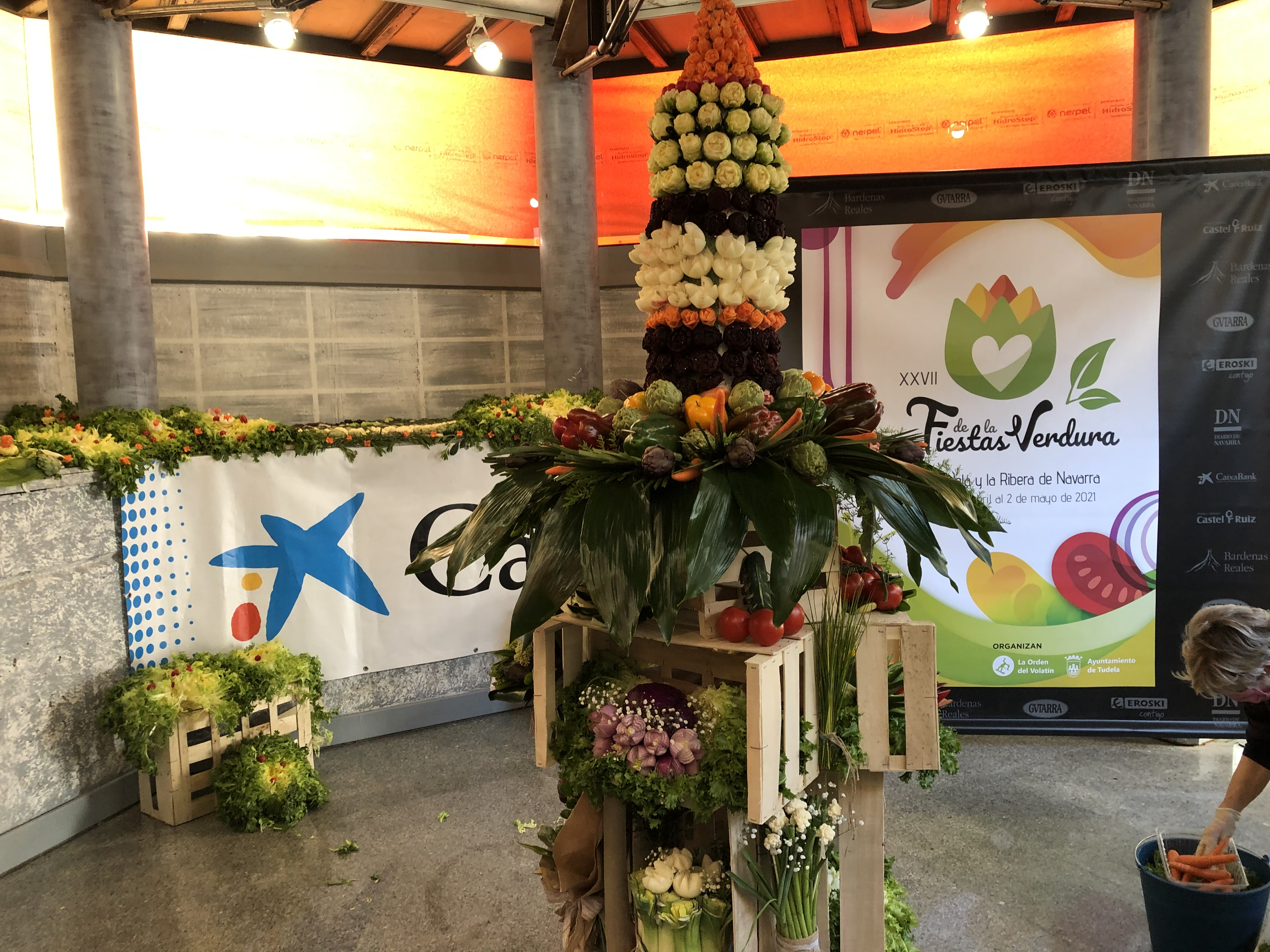 Espectacular inicio de Fiestas de la verdura por parte de la Asociación de mujeres del Barrio de Lourdes